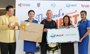 21 millionth visitor of Thailand in 2015_02_500x300